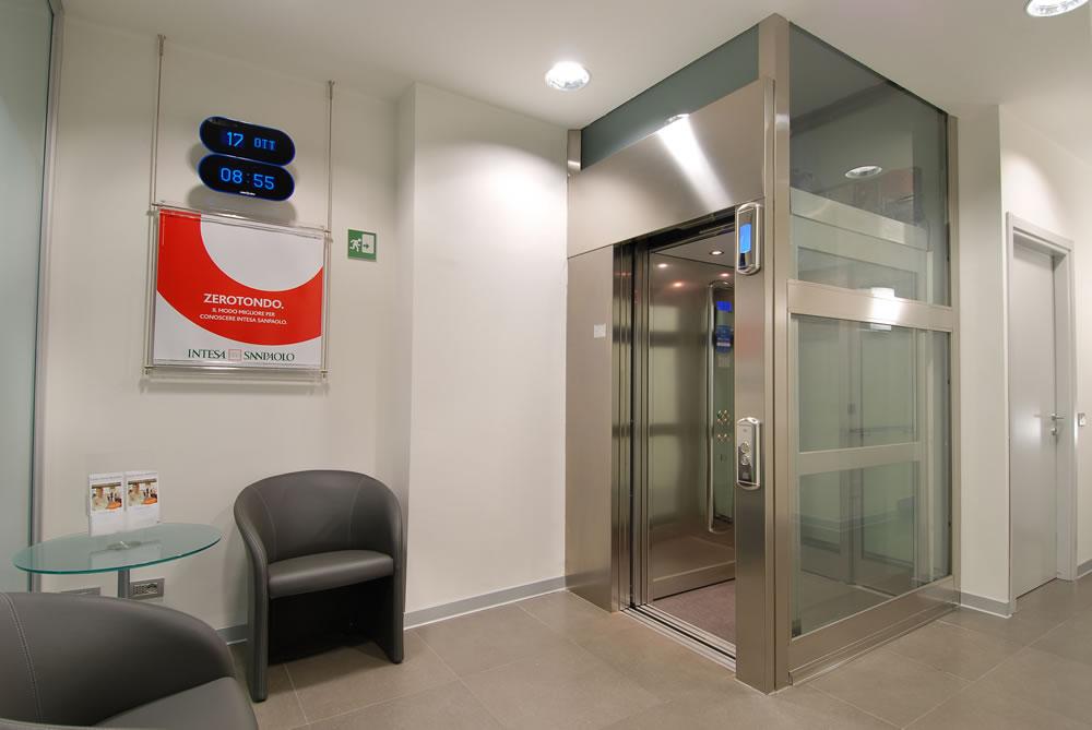 Banca Intesa SanPaolo Milano