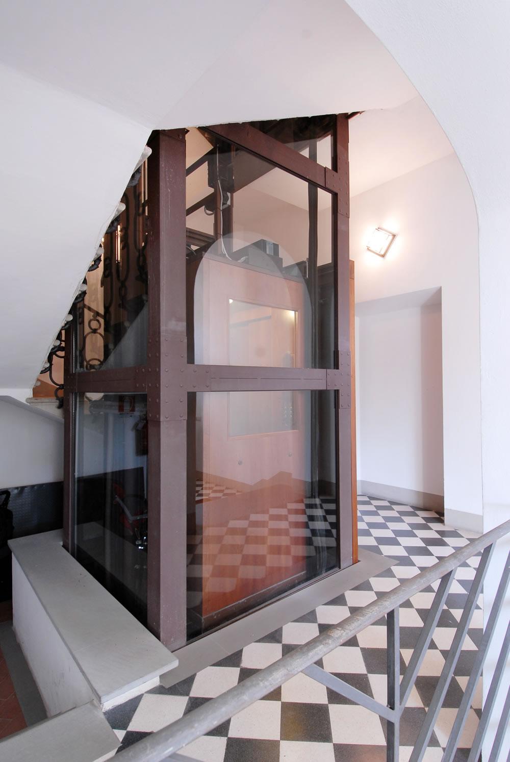 Gierre lift palazzo d 39 epoca for Modificato un piano di cabina di telaio